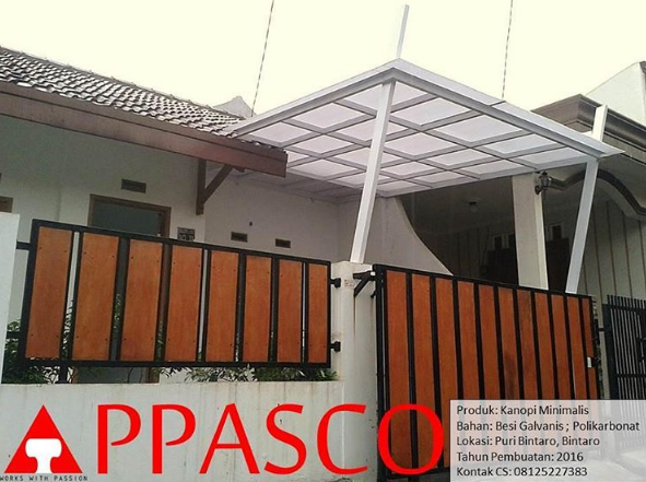 kanopi polycarbonat dan pagar minimalis GRC kayu