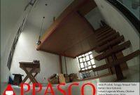 tangga indoor tempat tidur motif kayu