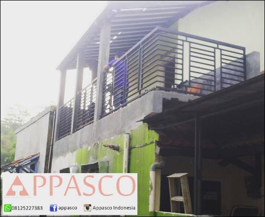 teralis balkon rumah tingkat dua