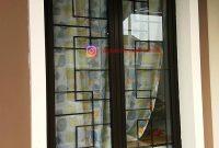 Teralis Minimalis Pada Jendela Kamar dari Besi Siku Kotak