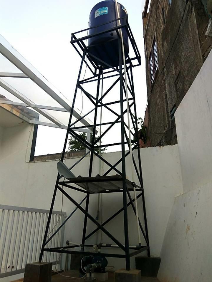 Tower Besi Kuat untuk Torren Air di Belakang Rumah