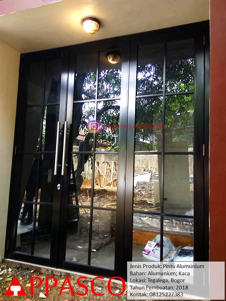 Pintu Aluminium dan Kaca desain Klasik Minimalis di Tegalega Bogor