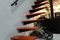 Tangga Melayang Minimalis Modern Baja Kayu di Bogor