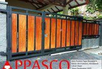 Pagar Woodplank Minimalis Klasik di Bogor