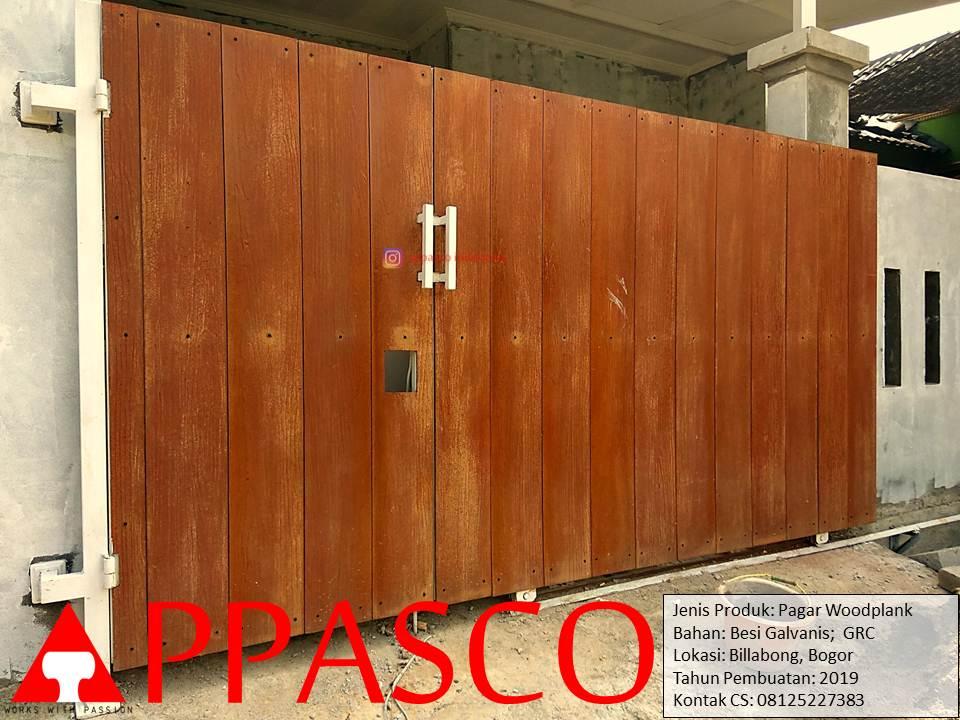 Pagar Woodplank dari Besi Galvalum Motif Kayu GRC di Bilabong Bogor Parung